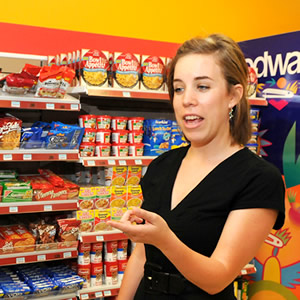 Entrepreneurship/nutrition junior Ashley Hurst's summer research project with two UH Bauer faculty members will focus on consumer behavior at grocery stores.