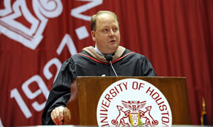 John King ('92), partner with Ernst & Young, LLP, speaks to graduates about the importance of learning from failure and developing a love of lifelong learning.