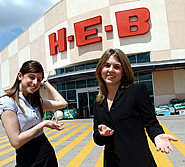 Gisela Tamez and Alison Nawrot of HEB