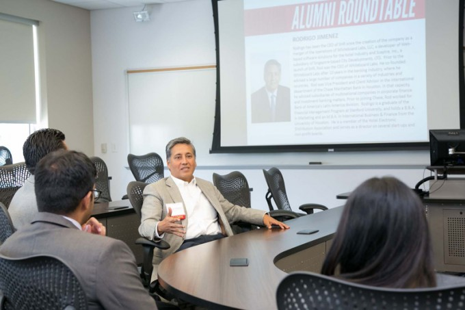 New Bauer College MBA students spoke with alumni from the program, including Sceptre Hospitality Resources, LLC CEO Rodrigo Jimenez (MBA '91) during an Alumni Roundtable event held during orientation.